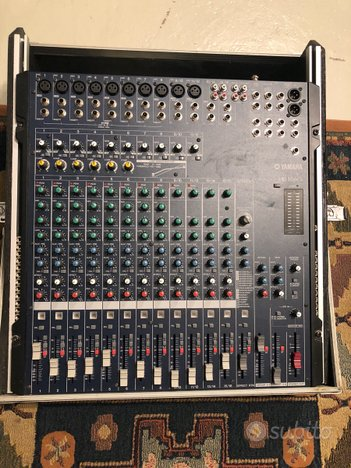 Mixer yamaha mg166cx con fligh case rack