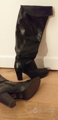Stivali/scarpe n.37