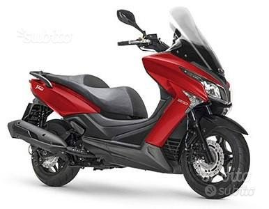 Kymco X-Town 300i rosso