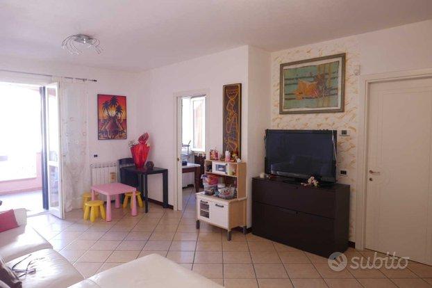 Appartamento a Luni - Isola