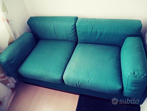2 divani da 3e2posti .semi nuovi