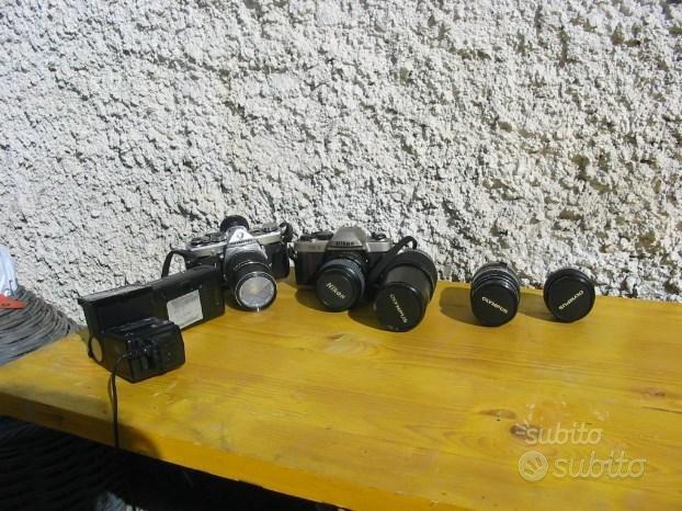 Nikon fm 10 e olimpus om 1 macchine fotografiche