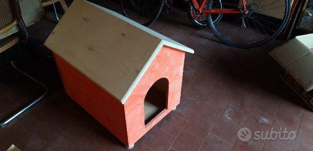 Cuccia artigianale nuova fatta a mano, in legno