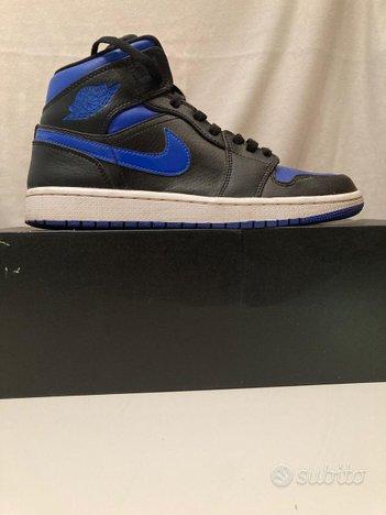 Jordan 1 mid blue & black