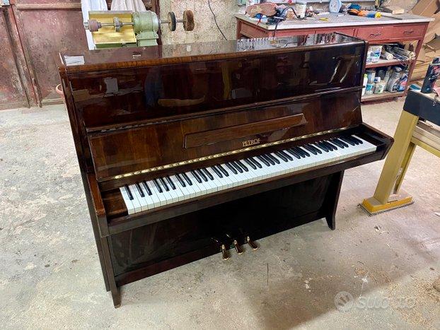 Pianoforte Petrof color noce 115cm Revisionato