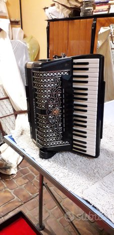 Fisarmonica Scandalli Super IV 120 Bassi