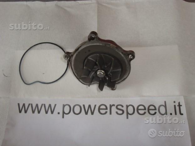 Suzuki gsx r 1000 pompa acqua e altri ricambi