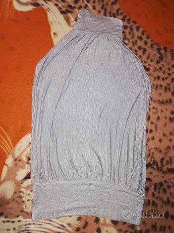 Maglietta senza maniche a collo alto