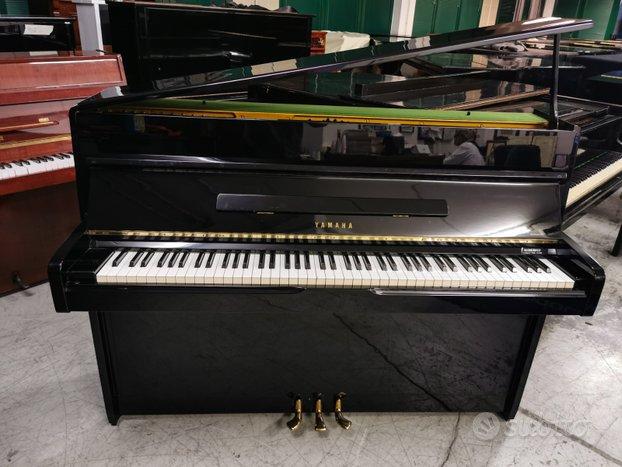 Pianoforte verticale Yamaha 108 con trasporto incl