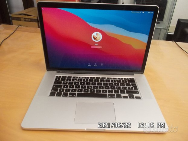 Macbook pro retina 15 pollici i7 /16gb /500 ssd m2