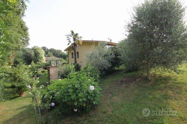Villa a Capannori, via dei Sodini, 10 locali