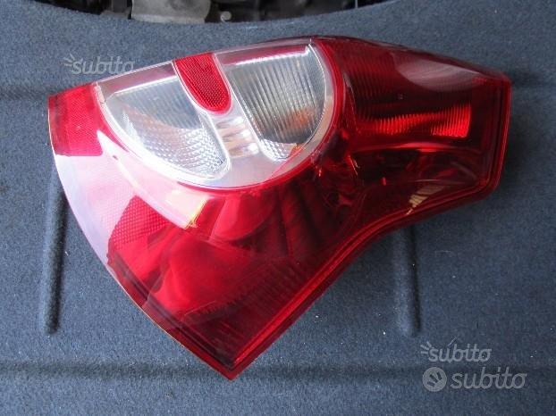 Dacia Sandero fanale posteriore Dx - S230