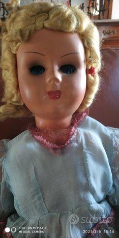 Bambola in bachelite