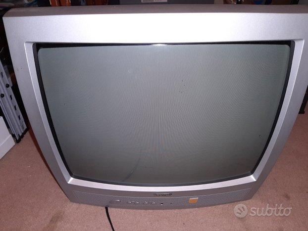 TV tubo catodico e computer fisso