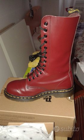 Nuovi Dr. Martens boots cherry
