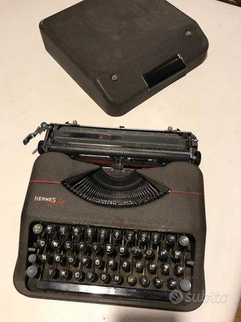 Vintage macchina da scrivere e calcolatrice