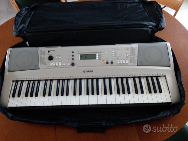 Pianola YAMAHA PSR E313
