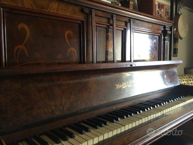 Pianoforte verticale HARSTON & SONS