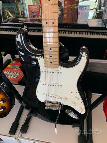 Chitarra Elettrica Fender Stratocaster ( Nuovo )