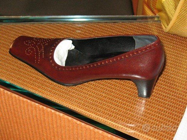 Scarpe decollete' caparrini in vitello