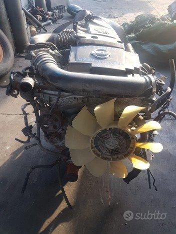 Motore nissan pathfinder 4.0 cc benz vq40de