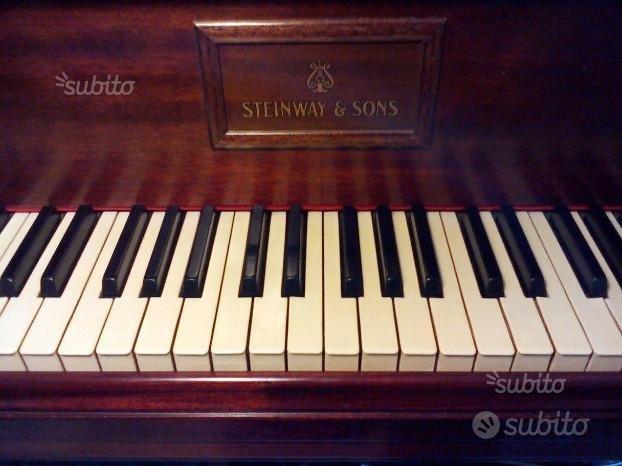 Steinway& Sons Pianoforte a coda mod M