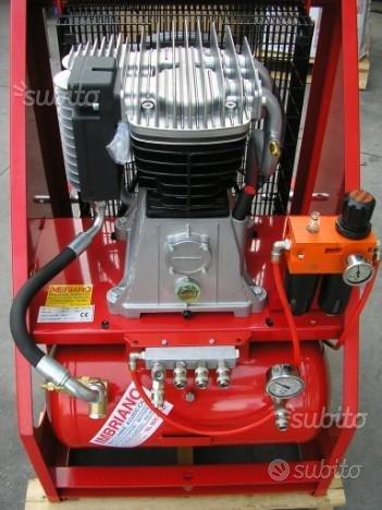 Compressore aria compressa con attacco a tre punti
