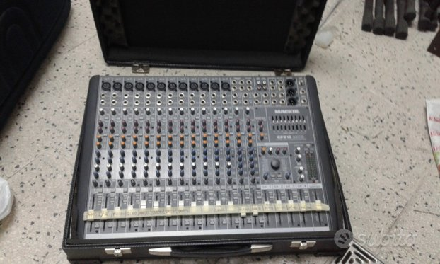 Radiomicrofoni e attrezzature per spettacolo