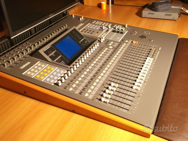 Mixer digitale Yamaha 02R II vers
