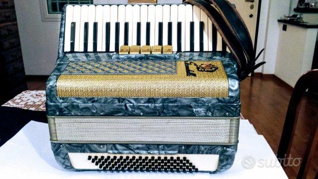 Fisarmonica 80 bassi