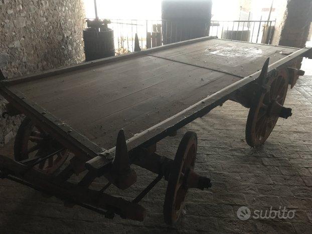 Antico carro agricolo