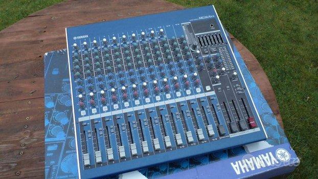 Mixer Yamaha Mg 16/6 fx come nuovo