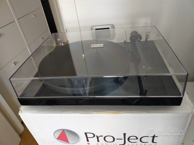 Giradischi Pro Ject debut carbon dc