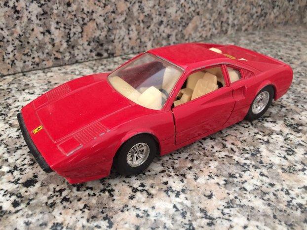Ferrari 308 GTB burago 1/24