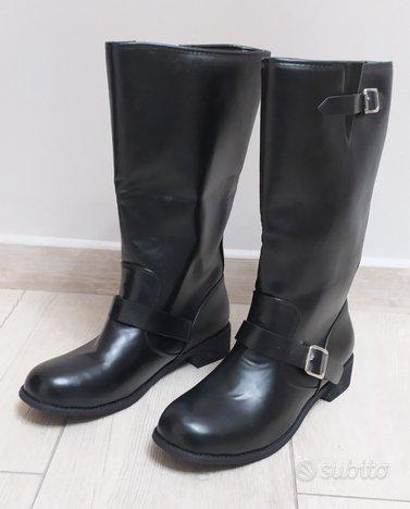Stivali finta pelle n. 42 nuovi
