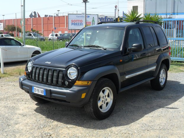 Jeep Cherokee 2.8 CRD Limited CAMBIO AUTOMATICO