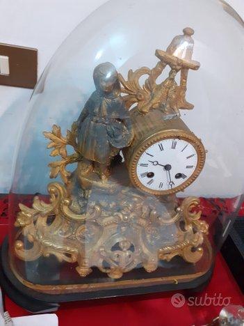 Orologio antico dorato