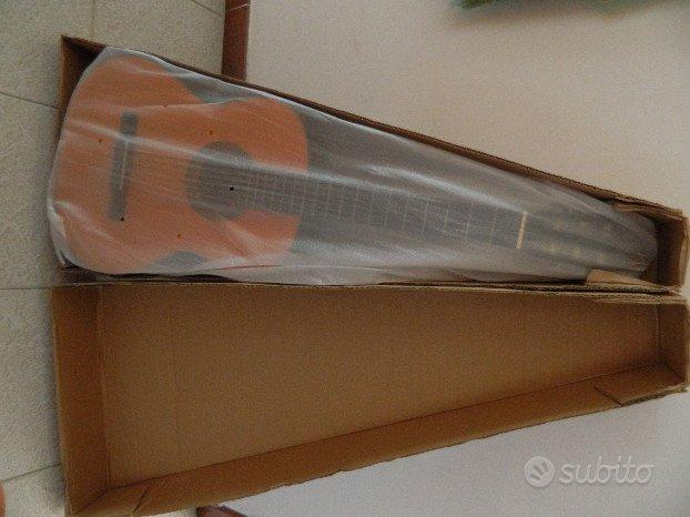 Chitarra acustica nuova