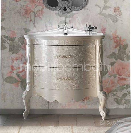Mobile Bagno barocco bassorilievo