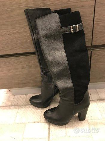 Stivali neri con tacco taglia 38 nuovi