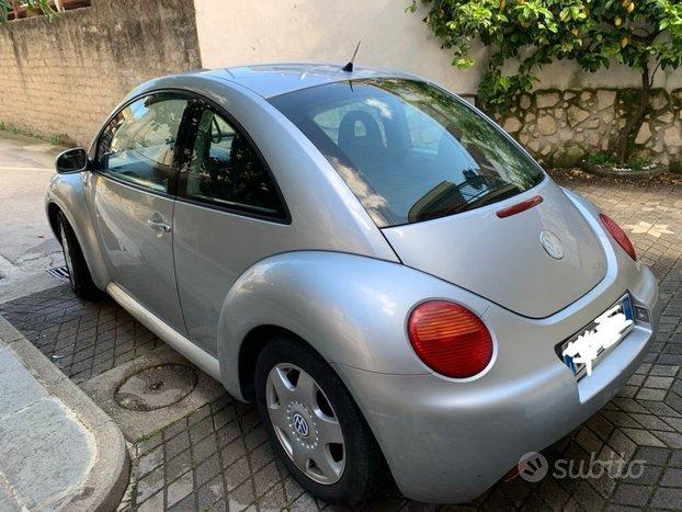 VOLKSWAGEN New Beetle - 2001