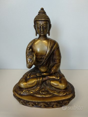 Statua di Buddha tibetano in bronzo