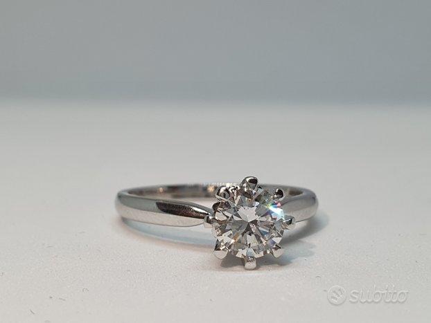 Anello Solitario con Diamante 0,73Ct in Oro 18Kt