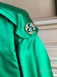 Vestito completo sartoriale in raso verde stupendo
