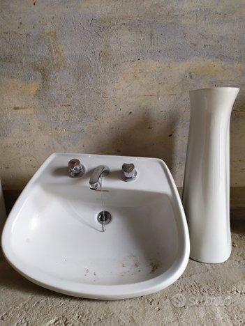 Lavandino lavabo con colonna bagno sanitari