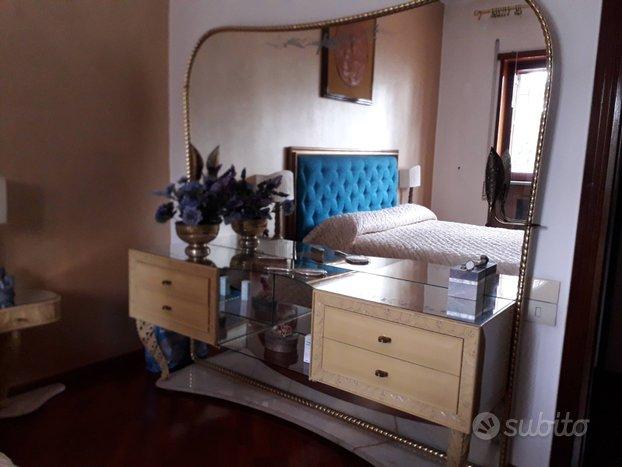 Mobile con specchiera veneziana camera letto