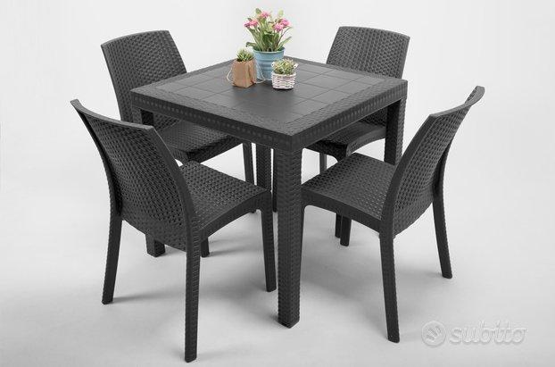 Subito - lanuovafeniceshop - Kit tavolo 4 sedie in resina ...