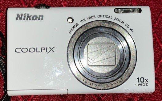 Macchina fotografica Nikon Coolpix S6200