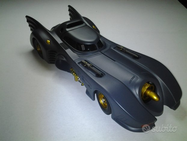 Batmobile 1:18 hot wheels