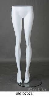 C:e:r:c:o: gambe manichino uomo /donna in piedi